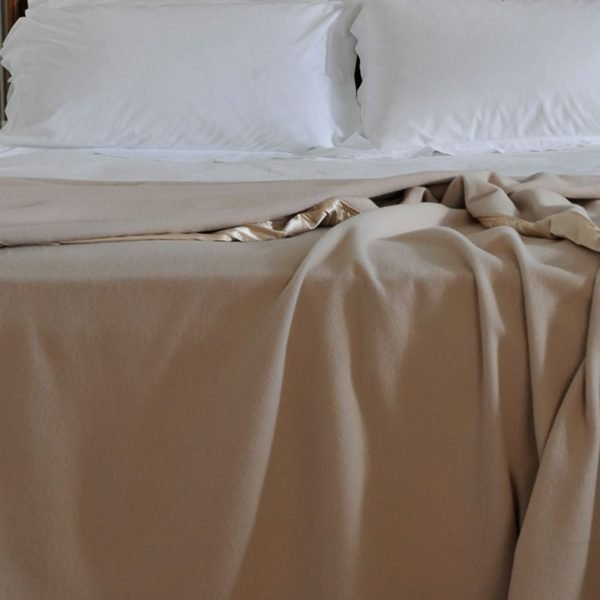 Cashmere Blanket With Silk Edge Latte