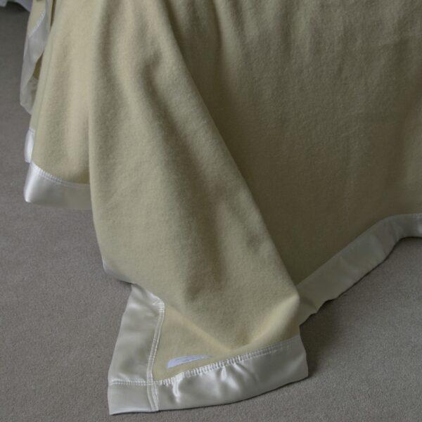 Merino Pure Silk Bound Blanket